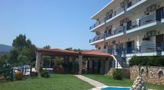 Located just 131 feet from the sandy beach in Koroni, Hotel De La Plage offers rooms with balcony, and a restaurant with spacious terrace overlooking the. Terrace, Restaurant, Mansions, House Styles, Beach, Outdoor Decor, Home Decor, Balcony, Decoration Home