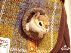 オーダーで作ったシマリスさん②#needlefelting #羊毛フェルト pic.twitter.com/7C8MpKebBM