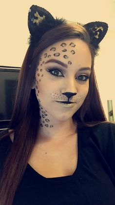 easy funny cat makeup for kids and adults images - Kids halloween Cat Makeup For Kids, Cat Face Makeup, Simple Cat Makeup, Cat Halloween Makeup, Theme Halloween, Halloween Looks, Halloween Kids, Cat Costume Makeup, Halloween Costumes
