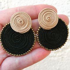 Indian Jewelry Earrings, Rope Jewelry, Silver Jewellery Indian, Soutache Earrings, Clay Jewelry, Etsy Earrings, Jewelry Crafts, Beaded Jewelry, Diy Earrings Video