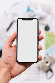 A person showing blank white screen display on smartphone Free Photo Photo Background Images, Photo Backgrounds, Wattpad Background, Smartphone, Phone Shop, Phone Mockup, Print Wallpaper, Vector Photo, Instagram Highlight Icons