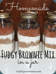 Fudgy Brownie Mix in a Jar- Fast and Easy Homemade Gift- Frugal Festivities Day - Six Figures UnderHomemade Fudgy Brownie Mix. Make your own brownie mix from scratch instead of buying boxes at the store. Layered in a jar, homemade brownie mix ma Homemade Brownie Mix, Homemade Brownies, Fudgy Brownies, Brownies In A Jar, Cheesecake Brownies, Mason Jar Mixes, Mason Jar Recipes, Mason Jar Desserts, Mason Jar Cookies