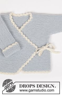 The set includes: DROPS wrap-round jacket and pants in garter st with crochet borders in Merino Extra Fine and a crochet DROPS bear in Merino Extra Fine with hearts in Fabel Free pattern by DROPS Design.