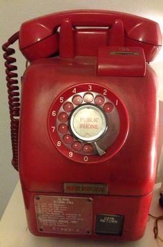 Australian public phone Wrong Number, Old Phone, Natural Wonders, Telephone, Industrial Design, Childhood Memories, Art Nouveau, 1970s, Nostalgia
