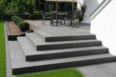Bethlehem Horticulture: Natural stone stairs and slabs - Alles für den Garten Patio Steps, Garden Steps, Cement Patio, Flagstone Patio, Pergola Patio, Modern Landscaping, Backyard Landscaping, Backyard Patio, Patio Design