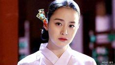 Korean Traditional Dress, Traditional Dresses, Jang Ok Jung, Kim Tae Hee, Pretty, Beauty, Wattpad, Fashion, Moda