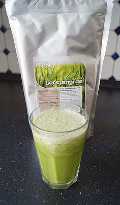 Gerstengras Spinat Protein Shake - Barley Grass Spinach Protein Shake #smoothieoffensive