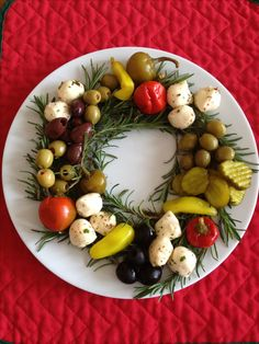 Holiday Cocktail Party | Antipasto wreath | Christmas Cocktail party ideas