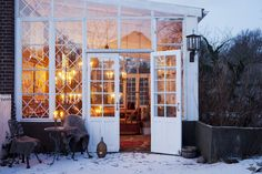 Good Cost-Free Winter Garden house Tips One of the most common questions about winter gardening is if extreme temperature swings will harm o Outdoor Spaces, Outdoor Living, Outdoor Decor, Gazebo, Pergola, Backyard, Patio, My Dream Home, Planting Flowers