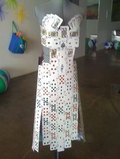 deck of cards dress Abc Costumes, Purim Costumes, Abc Party, Bunco Party, Casino Party, Party Themes, Anything But Clothes Party, Playing Card Crafts, Playing Cards