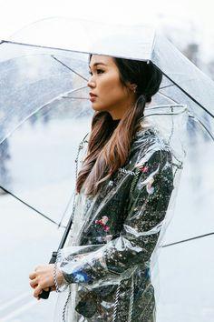 Clear Raincoat, Pvc Raincoat, Rainy Day Fashion, Everyday Fashion, Rain Bonnet, Transparent Raincoat, Clear Umbrella, Plastic Mac, Rain Wear