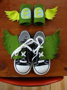 removable felt superhero wings for sneakers with matching wrist cuffs