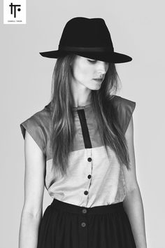 Grey, black Shirt with lace and buttons // LINEAR by Isabell Thrun