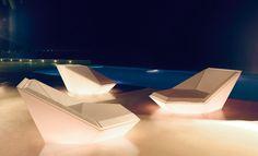 VONDOM   mobiliario exterior e interior   maceteros   iluminación