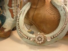 JOYWORKS - she made this sweet rhinestone-covered horseshoe, and i want to make one too!