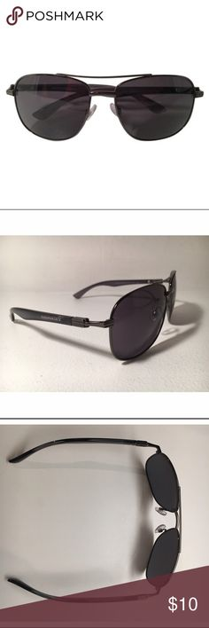 Panama Jack Sunglasses Lenses are a dark brown and fit well. Metal handles, unisex sunglasses, and are in very good condition. There are a couple of minor scratches on right outside lens but doesn't obstruct clarity. (See second to last pic). ❤️lovingly used... Panama Jack Accessories Sunglasses