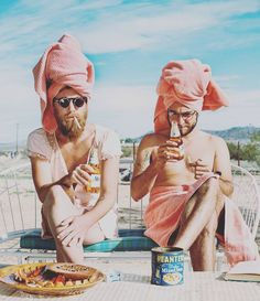 Good Life's definition 🍻🍉🌝 via @carlyfoulkes #art #goodvibes #goodlife #brothers #family #familia #happytime #goodluck #relax #thegoodlife #welcometothegoodlife #chillin #chill #mood #todaysmood #picoftheday #pink #artwork #barcelona #igersbcn #bcn #beard #apparel #slowfashion #slow #photography #designer #beer