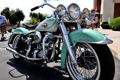 50s FatCat; Harley Davidson Duo-Glide (WAM)
