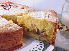 La crostata di ricotta e uvetta è una torta cremosissima e di semplice realizzazione. Un guscio di frolla racchiude un cuore morbido e cremoso di ricotta