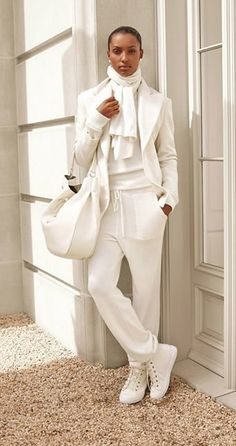 HYDRANGEA HILL COTTAGE: Winter Whtes Dressed In White, White Casual, White Style, Casual Chic, Lauren White, Autumn Winter Fashion, Sport Chic, San Valentino, Jacket Dress