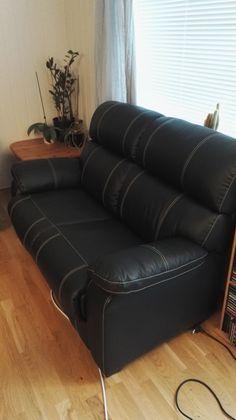 FINN – Skinnsofa med recliner