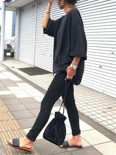 今年は「フラットサンダル」がキテる♡おしゃれさんに学ぶ着こなし大公開 - LOCARI(ロカリ) Ad Fashion, Japan Fashion, Modest Fashion, Fashion Outfits, Womens Fashion, Cool Outfits, Summer Outfits, Winter Mode, Everyday Fashion