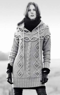 Cable hooded chunky knit