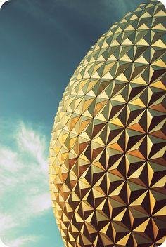 The 18 storey geodesic dome Spaceship Earth, EPCOT Center, DisneyWorld, Florida, USA by Simpson Gumpertz & Heger. photo Vanessa Guzan (1982) sgh.com