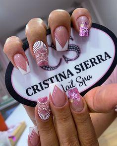 """Cristina Sierra Nail 💗 en Instagram: """"Cristina sierra nail spa 💗 Sedes disponibles 💗LAURELES📲3005269612 📱 3234264221☎️ 2501027 💗MEGACENTRO📲 3227639001 ☎️ 4799956 💗BELÉN📲…"""" Nail Spa, Nail Manicure, Gel Nails, Bling Nail Art, Bling Nails, Nail Desighns, Rock Nails, Nails Design With Rhinestones, Gold Glitter Nails"""