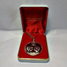 Vintage 22 carat gold plated pendant and necklace commemorating the 1981 Royal Wedding of Princess Diana and Prince Charles.