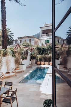 The Nordroom - Garden With Swimming Pool at A Beautiful Townhouse on Mallorca With Orginal Details and High Ceilings Outdoor Spaces, Outdoor Living, Outdoor Decor, Exterior Design, Interior And Exterior, Mansion Homes, Townhouse Designs, Turbulence Deco, Minimalist Home