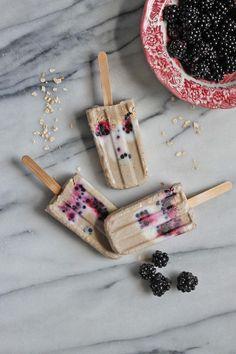 Blackberry, Banana and Oat Breakfast Popsicles (vegan, gluten-free) - Veggie Desserts