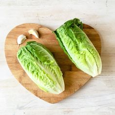 What's for lunch? Can you guess? . These cos lettuce for only R9. I have big dreams for them. 🥬 . . . . . . . #accessiblefood  #coslettuce  #whatsforlunch  #whatsforlunchtoday  #healthysalads  #crunchysalad  #healthysalad Vegan Gluten Free, Dairy Free, Whats For Lunch, Caesar Salad, Healthy Salads, Plant Based Recipes, Avocado Toast, Gypsy, Organic