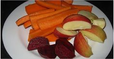 """""""miracle drink"""": juice one beet (just the root), 2 carrots, 1 apple. drink it every day before breakfast. this is such a healing juice & fixed a health problem i was struggling with for 3 years! Carrot Apple Juice, Detox Recipes, Healthy Recipes, Juicing Benefits, Weird Food, Beetroot, Healthy Alternatives, Apple Recipes, Deserts"""