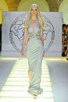 Versace at Milan Fashion Week Spring 2012 - Runway Photos