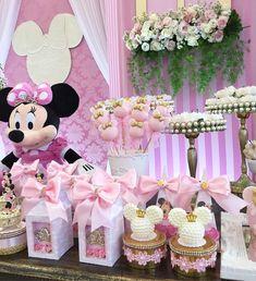No photo description available. Minnie Mouse Party Decorations, Minnie Mouse Theme Party, Minnie Mouse Baby Shower, Birthday Party Decorations, Birthday Parties, Minnie Mouse Rosa, Pink Minnie, Mickey Minnie Mouse, Baby Girl 1st Birthday