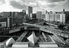 NEW STREET STATION, 2003 © JOHN DAVIES   L'insensé Photo #photography #photographie