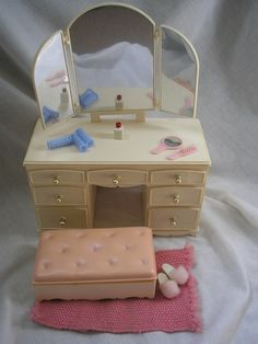 Vintage Sindy Dressing Table