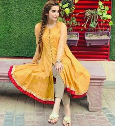 Stylish Dresses For Girls, Stylish Dress Designs, Designs For Dresses, Simple Dresses, Casual Dresses, Pakistani Fancy Dresses, Pakistani Fashion Casual, Pakistani Dress Design, Pakistani Outfits