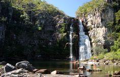 Cânions e imensas quedas d'água pontuam a linda paisagem da Chapada dos Veadeiros © anapaulahrm