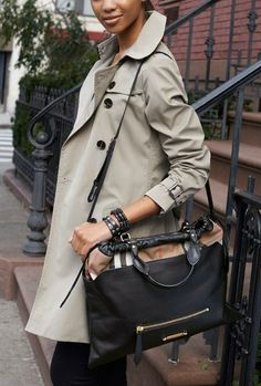 f20fb77dc792 Burberry  Big Crush - House Check  Leather Tote