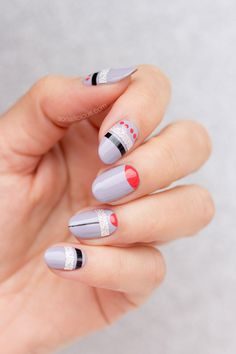 Edgy grey nails || Mixed Media nail art