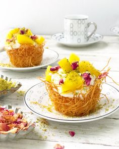 Baklava Cheesecake, Cheesecake Cups, Just Desserts, Delicious Desserts, Dessert Recipes, Kunafa Recipe, Ramadan Desserts, Lebanese Desserts, Greek Pastries