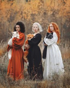 Moscow-based photographer Anastasiya Dobrovolskaya captures the diverse color of foxes in her stunning image, Autumn Equinox. Moscow-based photographer Anastasiya Dobrovolskaya captures the diverse color of foxes in her stunning image, Poses, Jolie Photo, Pretty Pictures, Fall Pictures, Character Inspiration, Fantasy Art, Fantasy Witch, Beautiful People, Beautiful Places