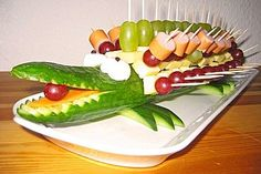 Party Food Buffet, Brunch Buffet, Snacks To Make, Easy Snacks, Food Carving, Food Garnishes, Snacks Für Party, Food Decoration, Food Humor