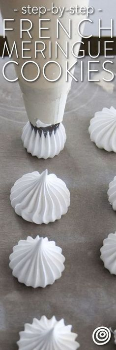 How to Make a French Meringue Cookies Recipe. So simple easy and pure meringues are the lightest almost cloud-like cookies and pastries with a crisp outer shell and slightly chewy interior. This is one of those classic must know recipes. Desserts Français, French Desserts, Delicious Desserts, Plated Desserts, Passover Desserts, French Food Recipes, French Sweets, French Meringue Cookies Recipe, Baked Meringue