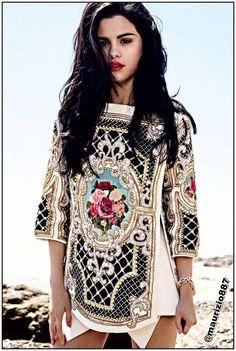 Stunning Selena :)