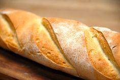 Bagermesterens flutes er dejlige hvedebrød, der passer perfekt til maden. Men de kan også anvendes til en sandwich. Foto: Guffeliguf.dk.