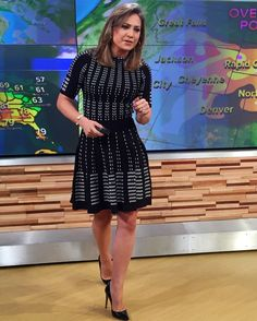 61 Sexy Pictures Of Ginger Zee Which Will Leave You Amazed And Bewildered Itv Weather Girl, Ginger Zee, Tv Girls, Good Looking Women, Classic Looks, Amazing Women, Short Sleeve Dresses, Dresses For Work, Shells