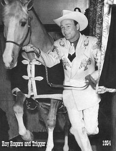 roy rogers horse trigger | roy rogers and trigger march 1 1954 roy takes trigger up